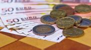 Devisen: Eurokurs fällt im US-Handel wieder unter 1,12