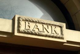 AKTIEN IM FOKUS: Banken profitieren von